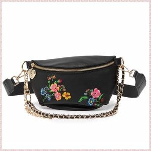 🆕Betsey Johnson Embroidered Floral Bag Fanny Pack